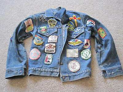Vintage Lee Women's Denim Jean Jacket with Patches from the 1960's-1970's Sz 14