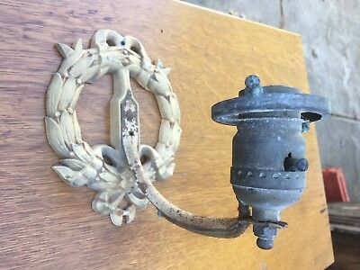Vintage Wall Sconce Light Fixture Wreath Design