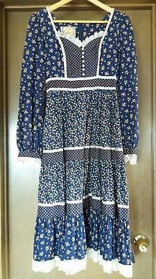 Vintage Navy Gunne Sax Midi Dress with pockets! Excellent condition!