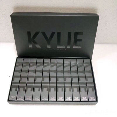 Coffret KYLIE JENNER 11 Lipstick Make Up Maquillage Black Edition Rouge a levres