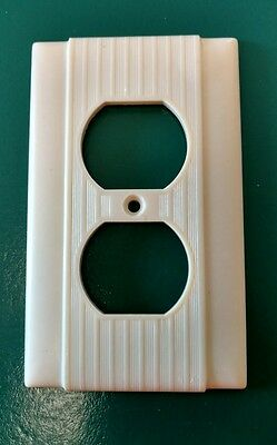 Vtg Uniline Bakelite Ribbed Electrical Outlet Plate Wall Cover Ivory Tiny Lines