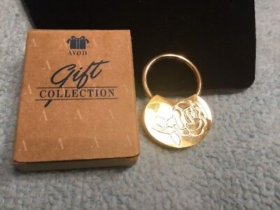 Vintage Avon Gift Collection Brass Keychain With Etched rose New In Box