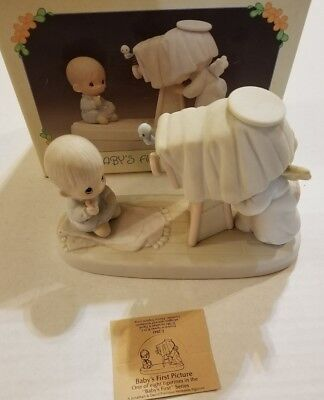 """Precious Moments #E2841 """"Baby's First Picture"""" 1983 CROSS  With Box"""