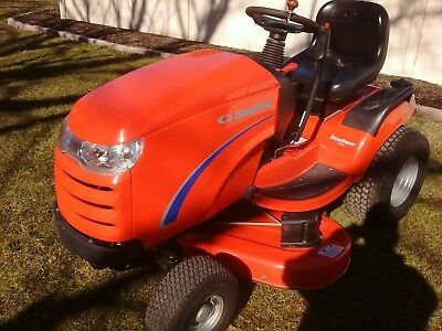 SIMPLICITY BROADMOOR LAWN Tractor with 44