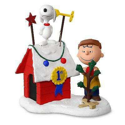 2017 Hallmark Ornament Decked Out Doghouse- The Peanuts Gang Snoopy and Charlie