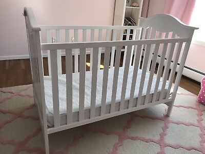 Fisher Price Charlotte Baby Crib With Sealy Mattress!