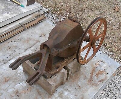 PUMP  JACK,  Antique  Iron  Collectible,  TRISCO,  TRISTATE  MACHY. CO.