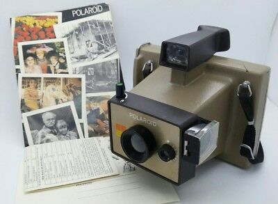 Vintage Polaroid Instant Camera EE22 in great working order