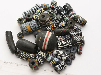 1 schwarz-bunter Mix aus Afrika Krobo Glasperlen Ghana Trade Bead West-Afrika