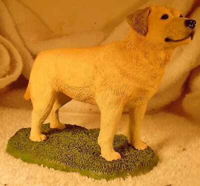 Dog Figurine LABRADOR RETRIEVER Yellow Standing Livingstone 2001 GORGEOUS
