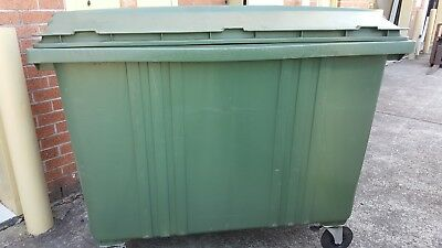 Commercial Bin jco plastic commercial bin 1700L Green With Wheels and Lid
