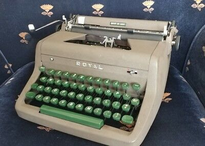 Royal Quiet Deluxe Typewriter Portable Brown Green Keys Vintage Case