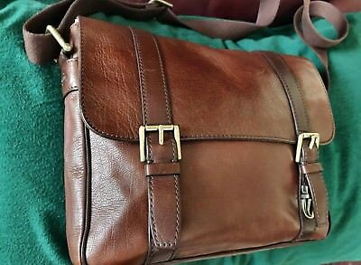 Fossil Leather Business Laptop Messenger Cross Body Satchel Bag for Men or  Women 497239f55c113