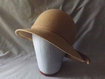 VINTAGE WOMAN'S HAT BEIGE 100% WOOL with GOLD BUCKLE DETAIL