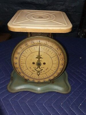 Beautiful Vintage Pelouze 24 Lb Family Scale Excellent Farm Art Deco Primitive