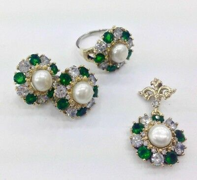 925 Sterling Silver Handmade Jewelry Pearl and Emerald Ladie's Set.