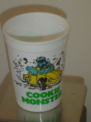 """Vintage 1980's Wendy's Cup: """"Follow That Bird Cookie Monster"""" Plastic Cup - EX!"""