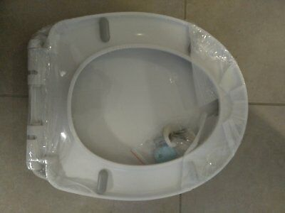 Caroma Toilet Seat and Cover. Soft Closing. Brand new