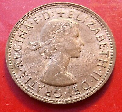 About Uncirculated Red Brown Mint Quality 1/2 Sharp 1963 Australia Half Penny,