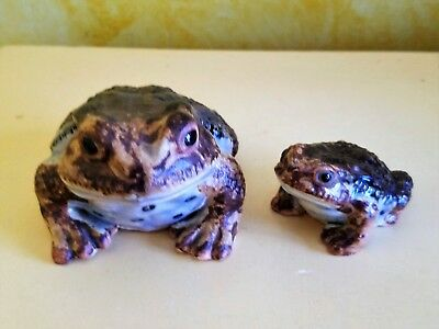 Wonderful Vintage Mama & Baby Pottery Toad Figurines - Great Colors and detail