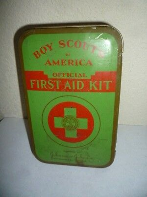VINTAGE 1947 BOY SCOUTS OF AMERICA OFFICIAL BSA FIRST AID KIT TIN w/CONTENTS