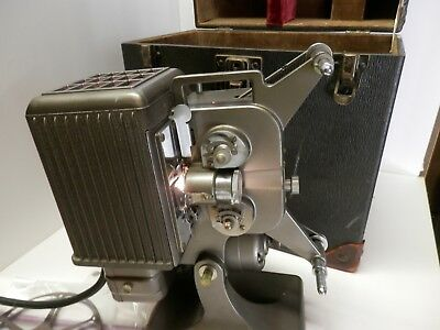 Kodascope Eight Model 70, 8mm Film Projector, w/ case, oil, reel, manual. AAA