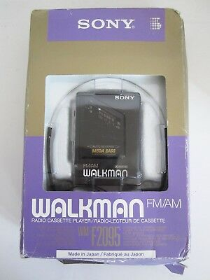 Vintage 80's/90's Sony FM/AM Walkman WM-F2095 New in Box Made in Japan