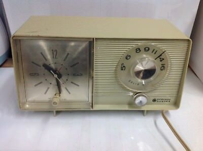 Vintage Classic General Electric Solid State Clock Radio 1960s C-4403