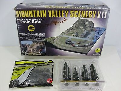 HO Scale Woodland Scenics Mountain Valley Scenery Kit w/ Extras