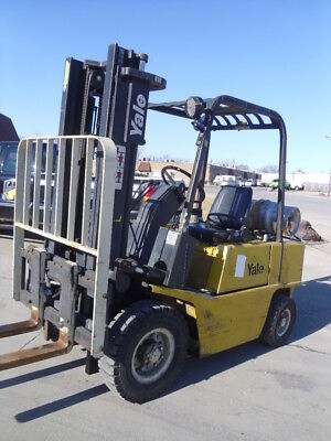 Pneumatic Forklift: Yale GLP050 5000#
