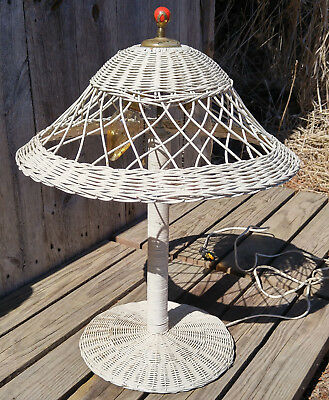 Antique Vintage Shabby White Victorian Wicker 2 Socket Table Lamp w/ Shade