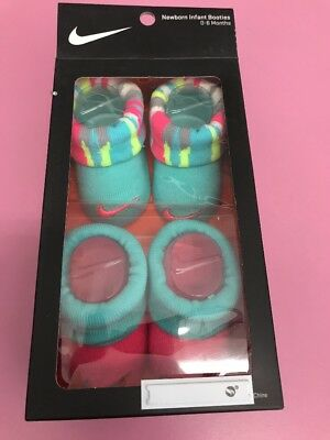 New 2 Pair Infant girls Nike in pink & Gray Newborn 0-6 months baby Booties