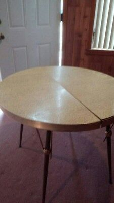 VINTAGE FORMICA TABLE Pale Yellow w/Leaf & 4 VINTAGE CHAIRS - 1960's