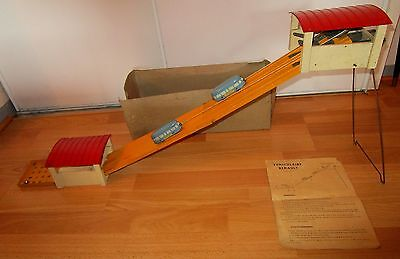 Tres ancien funiculaire renault annees 30 avec boite for Carrelage annees 30