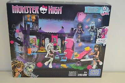 Mega Bloks Monster High Cafeterroria   DKT93