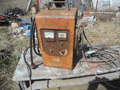 Vintage Gulf Oil Service Station Battery Charger