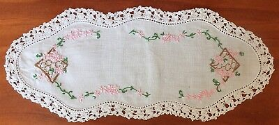 Vintage Handmade Embroidered Sandwich Doily Hi Tea