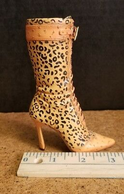 Just The Right Shoe -UNTAMED  - JTRS - Raine - Dated 2001  -Item #25159