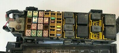 engine fuse box jeep liberty 2002 2003 2004 0318201840
