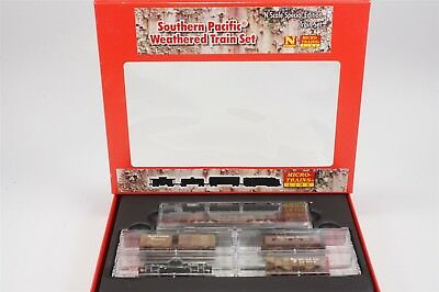 N Scale Micro-Trains MTL 99301170 SP Southern Pacific FP7 Weathered Train Set