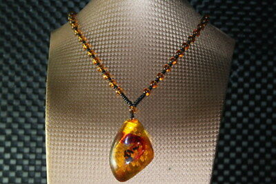 Collectable Handwork Exquisite Decoration Amber Inlay Ants Beauty Necklaces