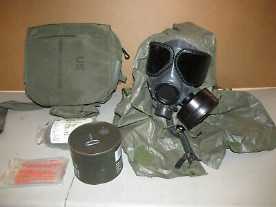 US MILITARY M-40 Gas Mask w/ Canvas Bag + Sealed Canister Filter + Blanket