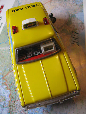 YONEZAWA TOYS TAXI CAB BATTERY OPERATED, MYSTERY ACTION Zählwerk Tür open Blech