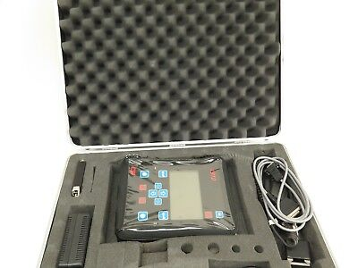 CSI B1910 - Digital Vibration Meter with Case