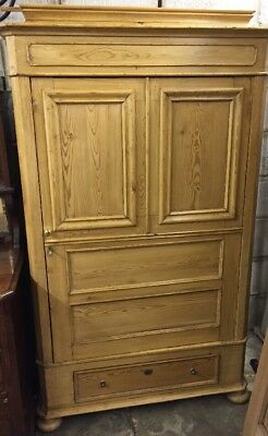 French Antique Pine Linen Cupboard/Armoire/Kitchen Cupboard/Wardrobe/Larder