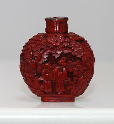 Antique Chinese Carved cinnabar lacquer red Snuff Bottle, Qing dynasty, RARE.
