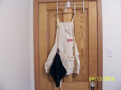 COLEMAN White Work Grill Apron Patio Wear w/Detachable COLEMAN Green Hand Towel