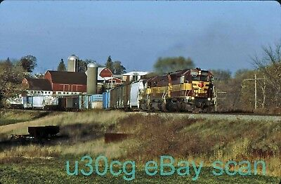 WC Wisconsin Central SD45 6556 Byron, WI 2002 - Original slide