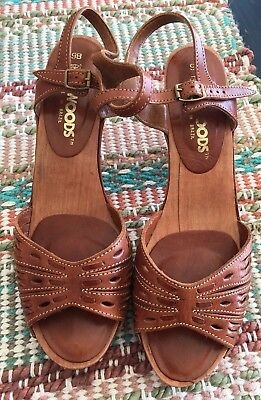 Vintage WildWoods Brown Leather Platform Wood Heel Sandals Size 9B
