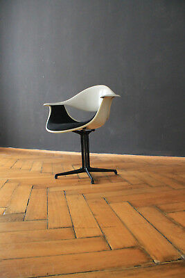 George Nelson Herman Miller DAF Chair Schale Vitra Stuhl Armchair shell